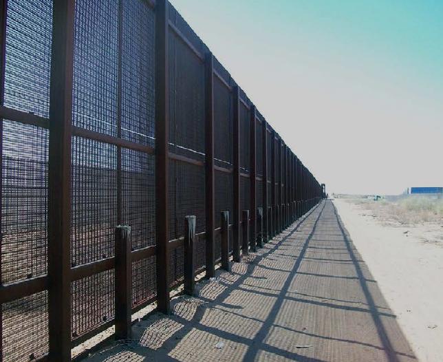 Modern Double Steel Mesh Pedestrian Fence